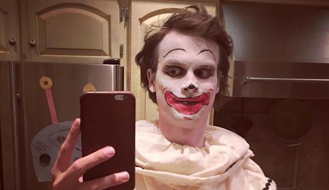 Matthew Gray Gubler condivide su Instagram i look più spaventosi a prova di Halloween