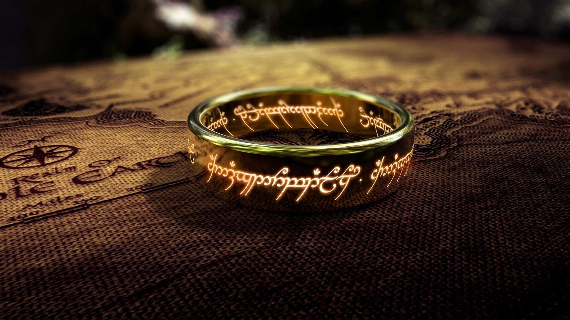 La foto dell'anello dal film.