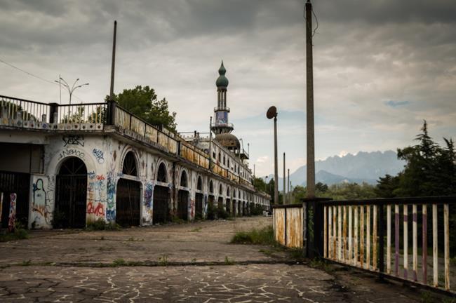 Consonno paese abbandonato in provincia di Lecco