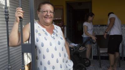 Juana Escudero sorridente
