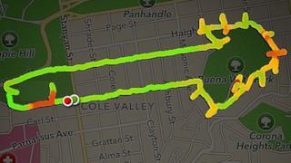 Claire disegna peni con il GPS a San Francisco