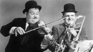 Il duo Laurel e Hardy in una delle loro celebri gag