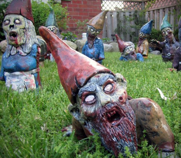 Gli gnomi da giardino zombie da usare ad Halloween