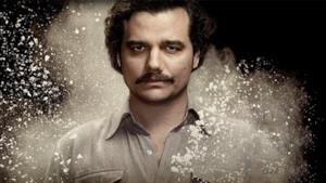 Lo spietato Pablo Escobar dalle prime due stagioni di Narcos.