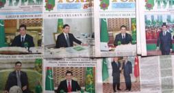 Pagine di giornali del Turkmenistan