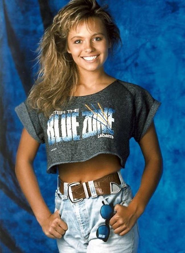 Un'immagine di Pamela Anderson da adolescente