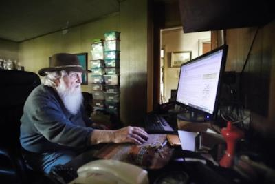 Il rifugio antiatomico di un anziano canadese creato con i bus