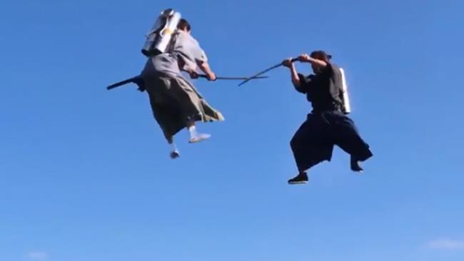 I due samurai con il jet pack