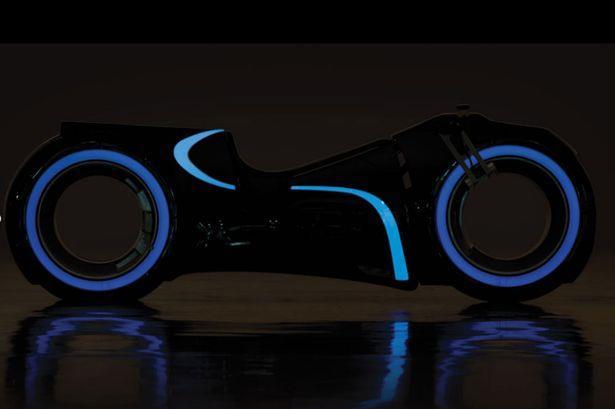 Riproduzione della lightcycle di TRON: Legacy