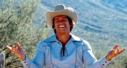 Schwarzenegger vestito da cowboy
