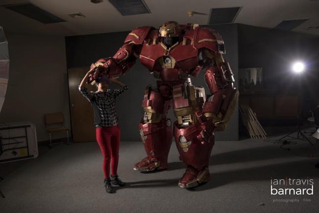 La replica dell'Hulkbuster realizzata da un fan