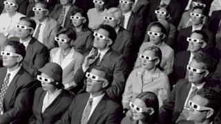 Spettatori che assistono a una proiezione