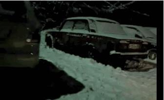 Una macchina sotto la neve è al contrario - Le GIF più divertenti da scaricare e condividere