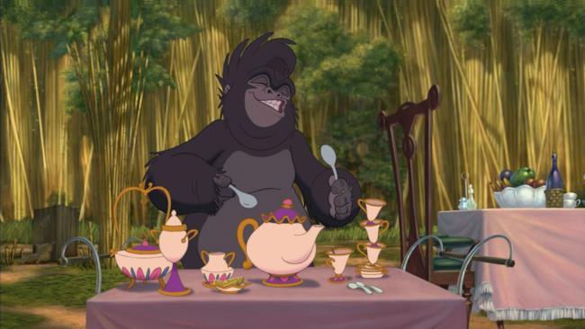 Il servizio da tè identico a quello de La Bella e la Bestia in una scena del film Tarzan