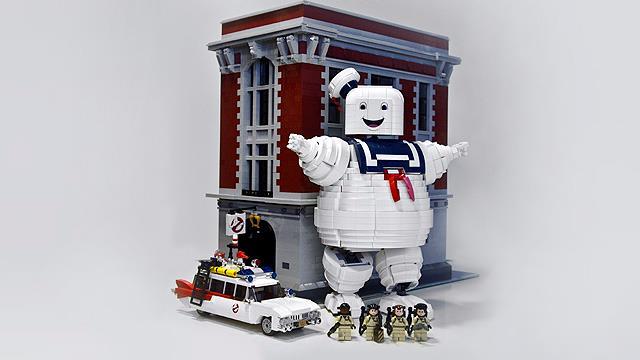 I Ghostbusters con il Mashmallow Man di LEGO