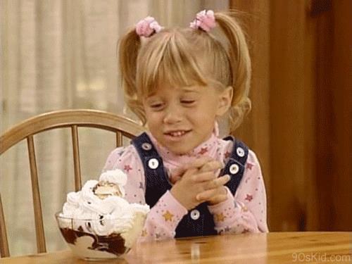 GIF coppa gelato con gemella Olsen da bambina