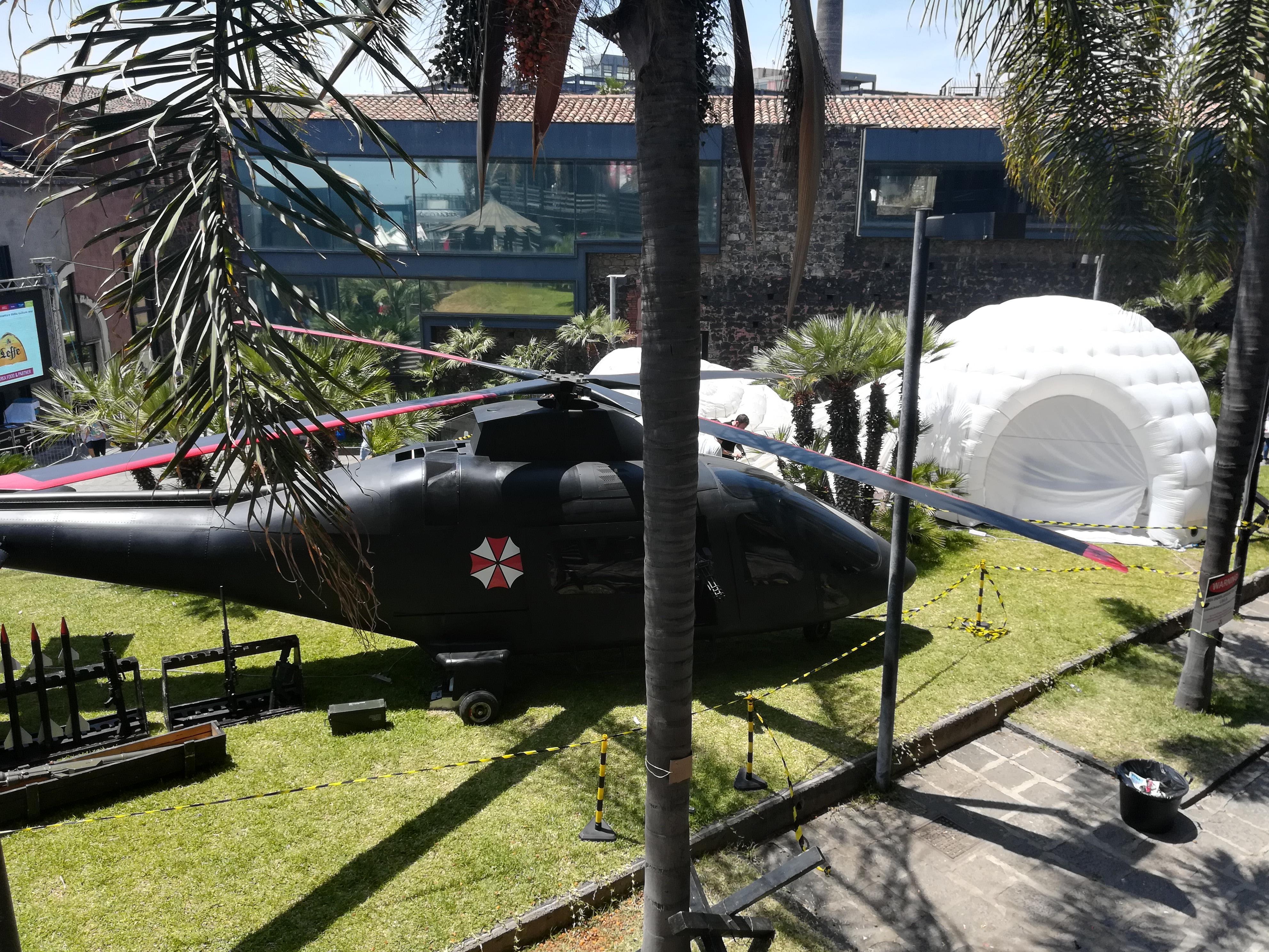 La foto dell'elicottero