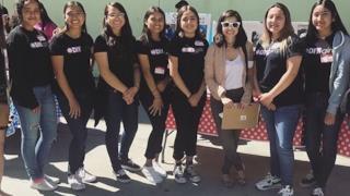 Il team di ragazze che ha vinto il premio del MIT.