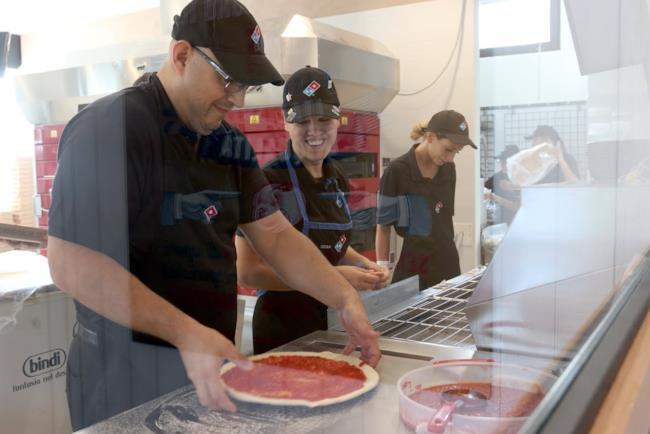 I pizzaioli di Domino's Pizza a Milano
