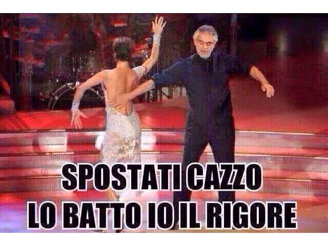 Meme di Andrea Bocelli a Ballando con le Stelle