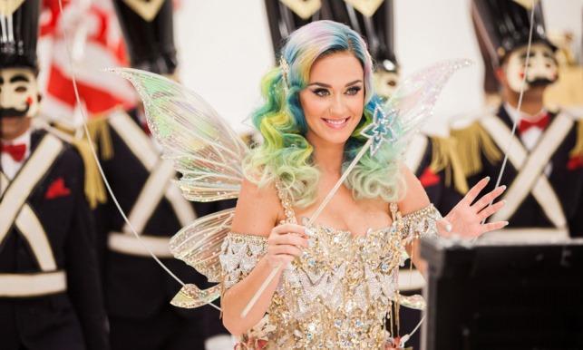 Katy Perry protagonista dello spot di Natale di H&M