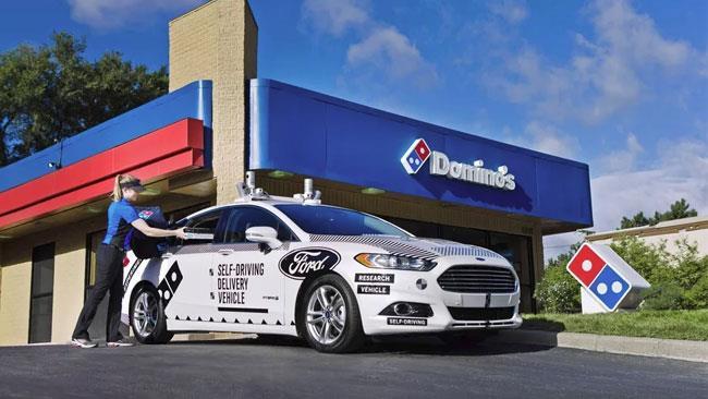 Domino's Pizza utilizza Ford automatiche senza guidatore