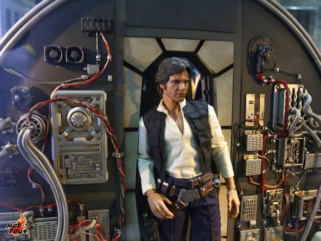 Il modellino di Han Solo nel Millennium Falcon