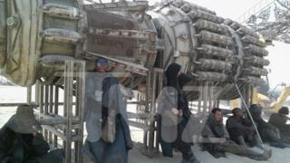 Foto di una turbina di astronave dal set di Star Wars 7