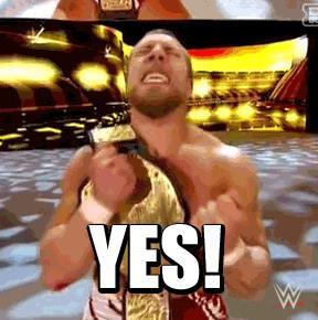 Un wrestler è contentissimo di aver vinto la cintura di campione del mondo - GIF di reazione ai commenti, le più divertenti da usare su Whatsapp e Facebook