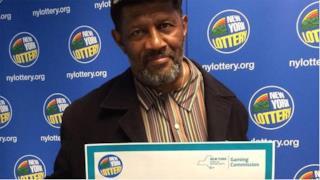 Jimmie Smith, l'uomo che non sa di aver vinto alla lotteria