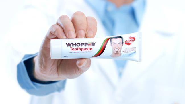 Il dentifricio che sa di panino Whopper
