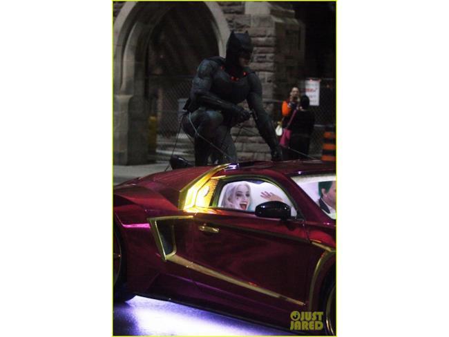 Harley Quinn, Batman e Joker in una scena d'inseguimento