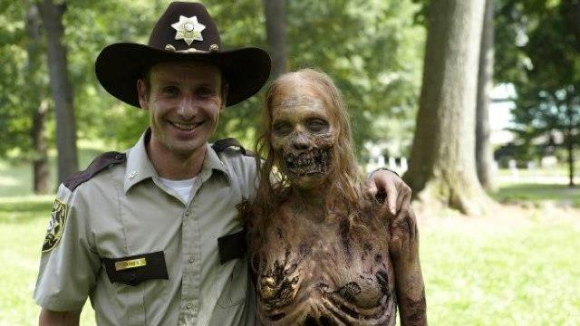 New Mexico: vede l'amico trasformarsi in zombie e lo uccide