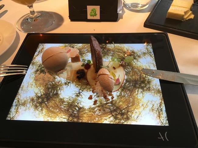 Un pasto servito su di un iPad