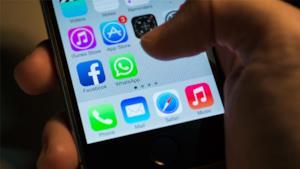 Uno smartphone - Immagini divertenti per WhatsApp da scaricare gratis / Gennaio 2018