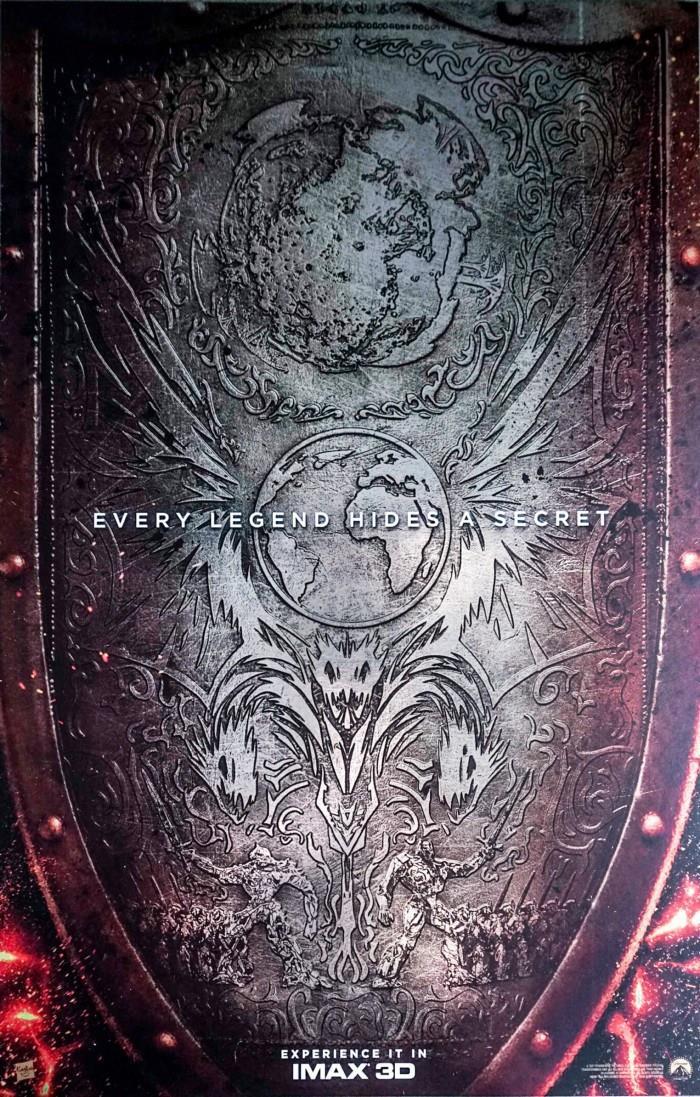 Il poster promozionale del film Transformers - L'ultimo Cavaliere