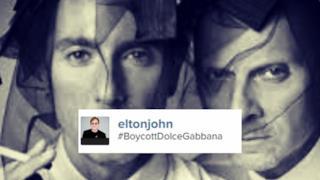 Dolce & Gabbana nell'immagine usata da Elton John
