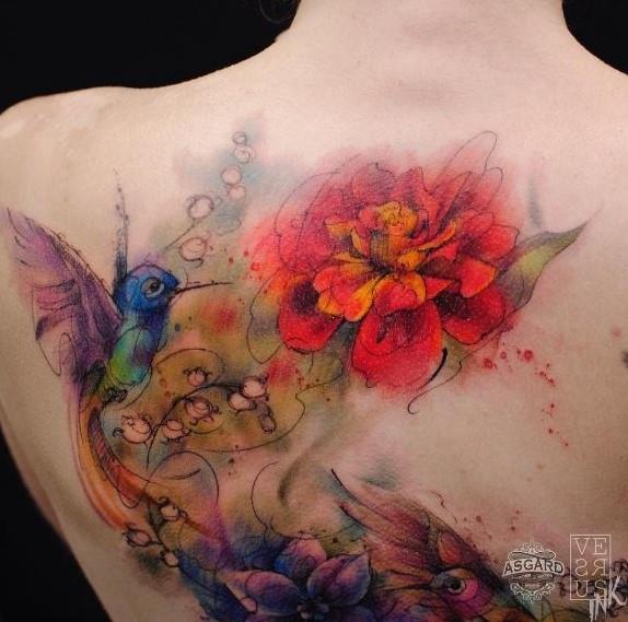 Un tatuaggio watercolor sulla schiena - Tatuaggi acquarello, alcune fantastiche idee per i tuoi lavori