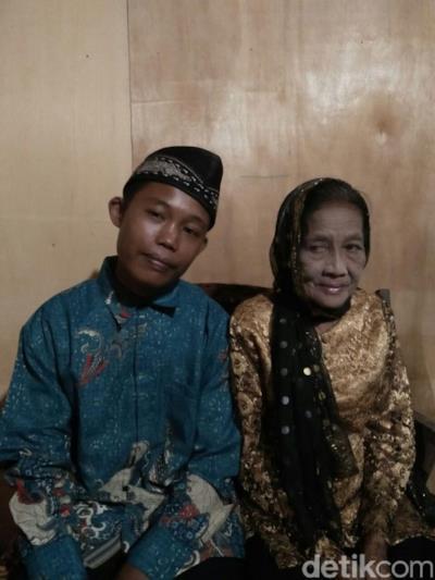 I due innamorati in abito da cerimonia