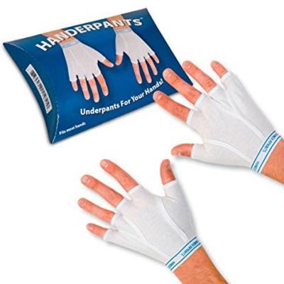 Le originali mutande per le mani