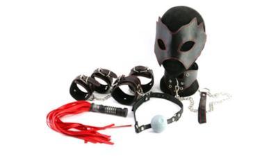 Lo strano kit per il bondage del Lato Oscuro