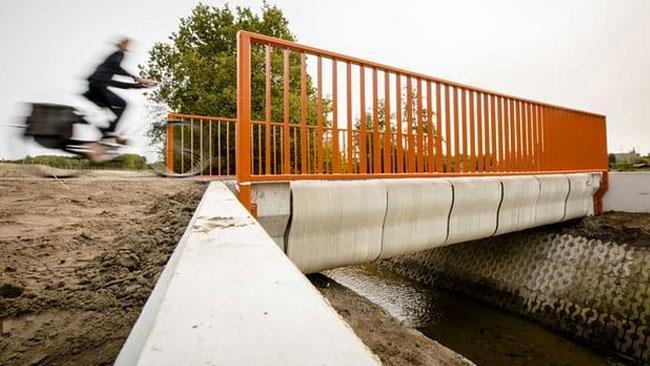 Il Olanda è stato costruito un ponte con una stampante 3D