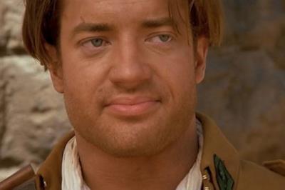 Brendan Fraser in una scena de La mummia