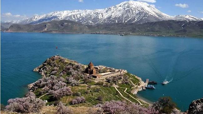 Il lago di Van in Turchia