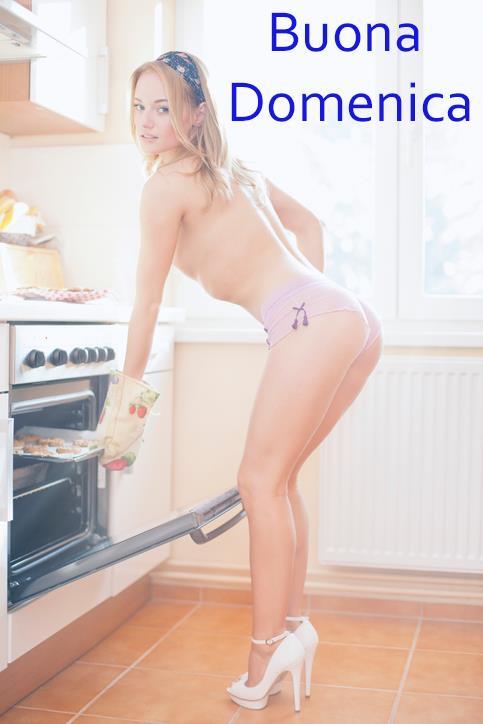 Una sexy cuoca che apre il forno - Immagini sexy per il buongiorno, buon compleanno, buonanotte e buona domenica