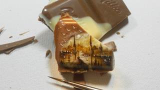 Un quadretto di cioccolato bicolore