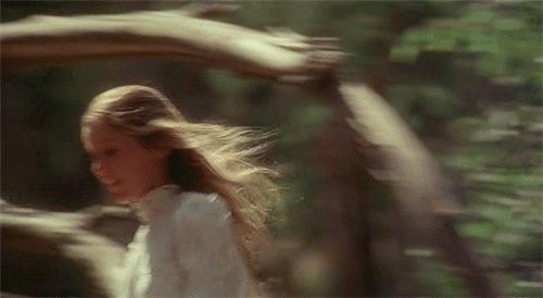 GIF donna che corre