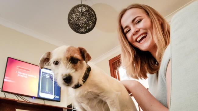 Una donna e il suo cane