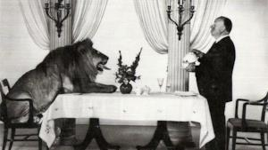 Alfred Hitchcock e il leone