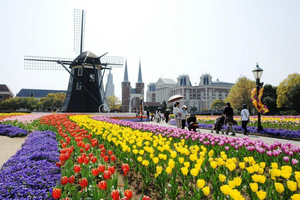 Il festival dei tulipani al parco Huis Ten Bosch